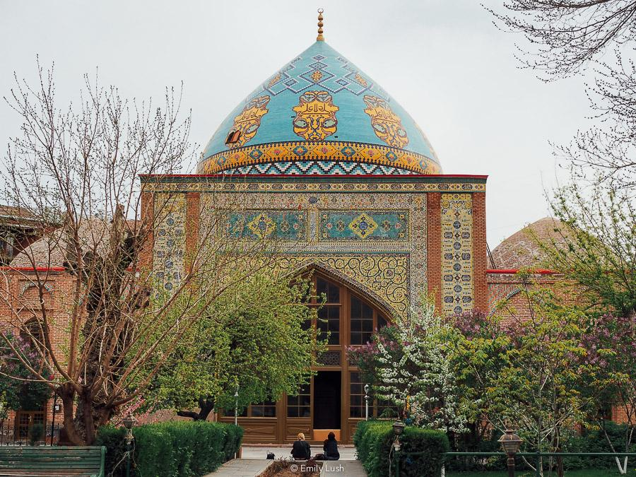 © Emily Lush 2018   The Blue Mosque   Things to do in Armenia Yerevan