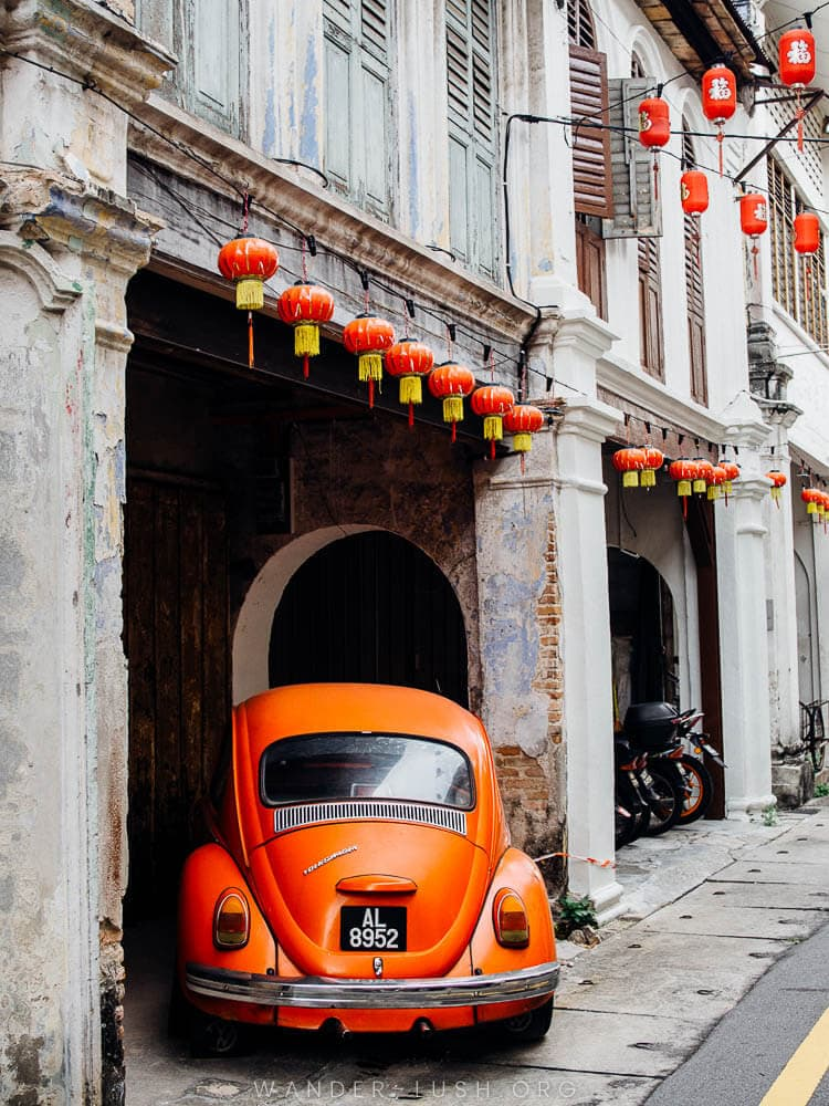 Leave Penang to the organised tours—Ipoh is the authentic Malaysia. A street photographer's dream just 3 hours' north of Kuala Lumpur, Ipoh is my favourite city in the country. This Ipoh photography collection will inspire you to visit Ipoh and the beguiling Perak region.   © Copyright Emily Lush 2018